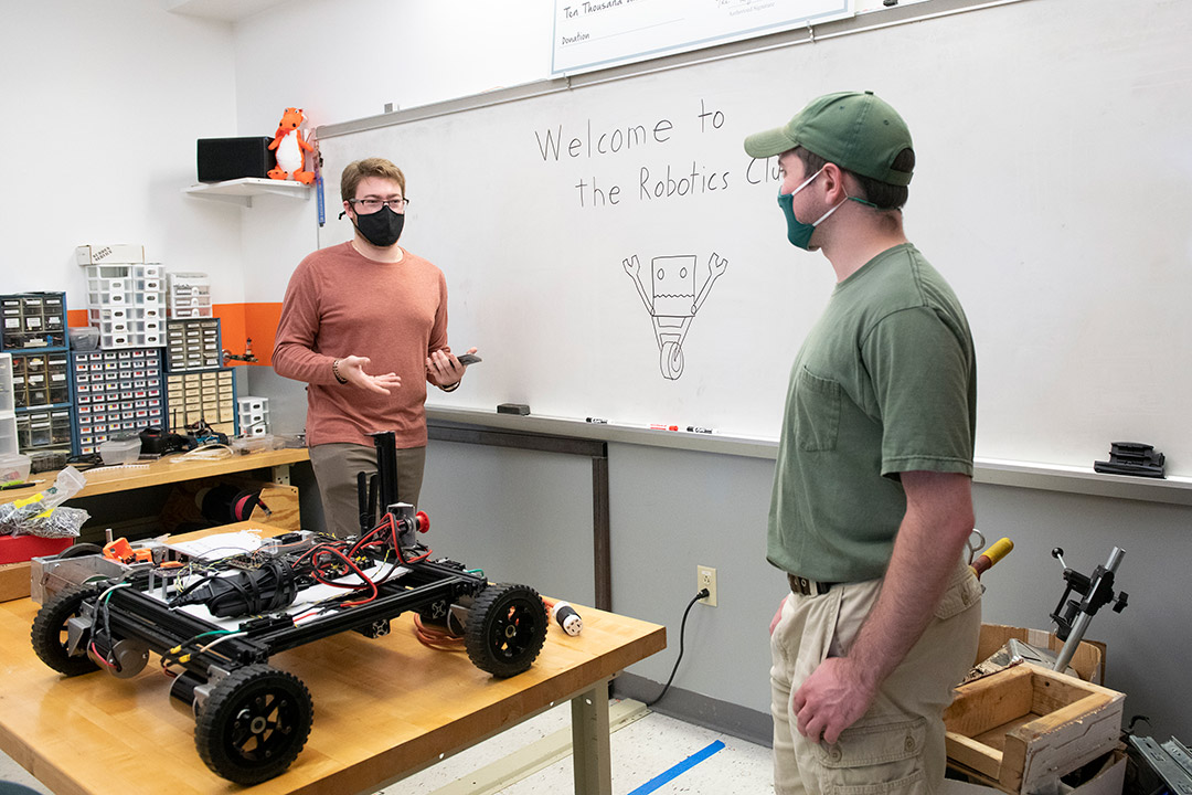 RIT students finding ways to stay active in clubs