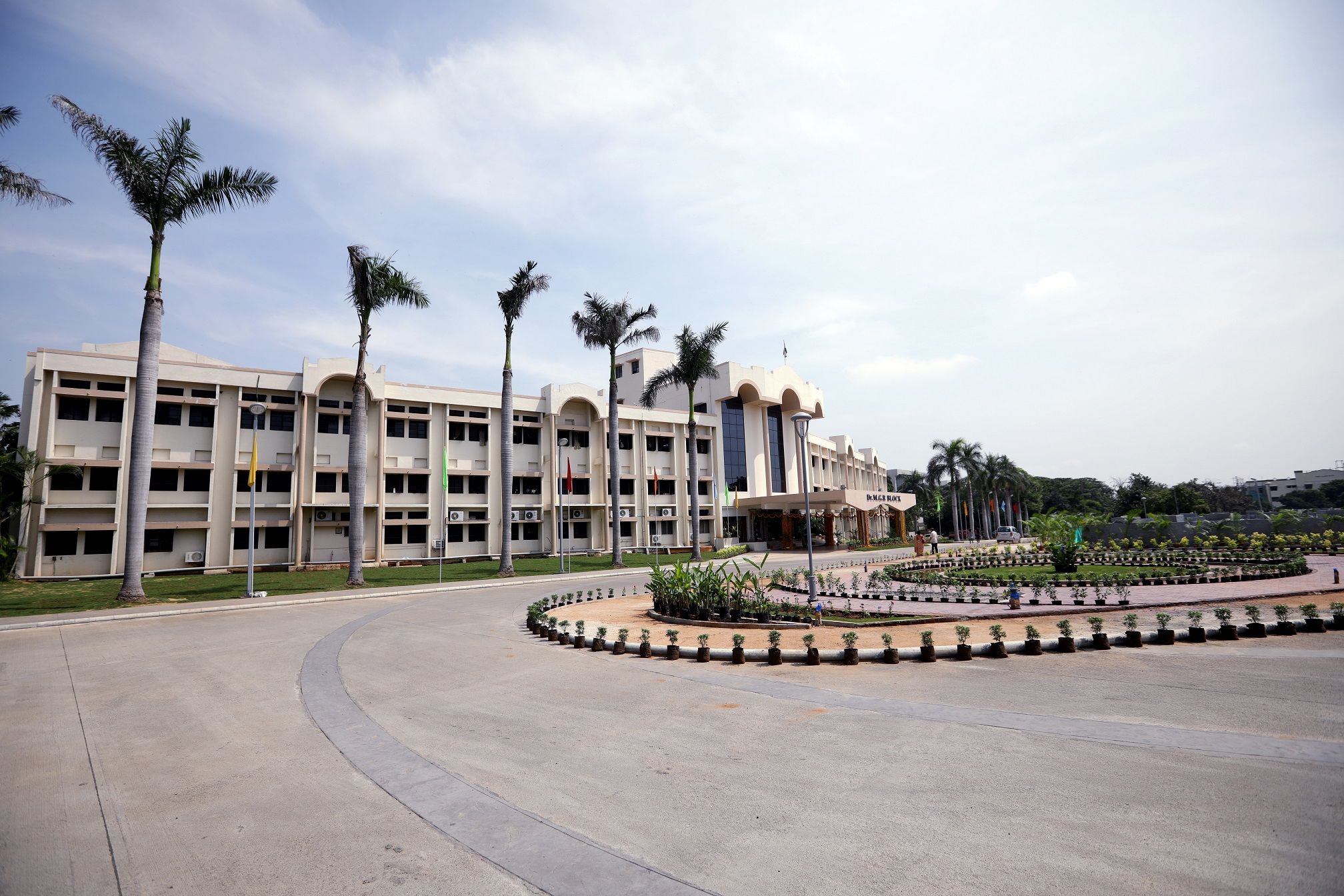 RIT's Saunders College of Business partners with Vellore Institute of Technology