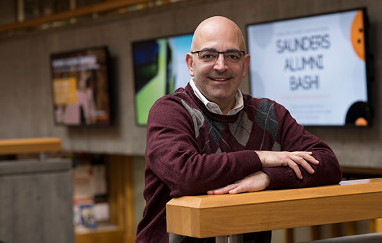 SCB visiting lecturer honored with outstanding  teaching award